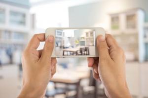 using smartphone to take interior photo