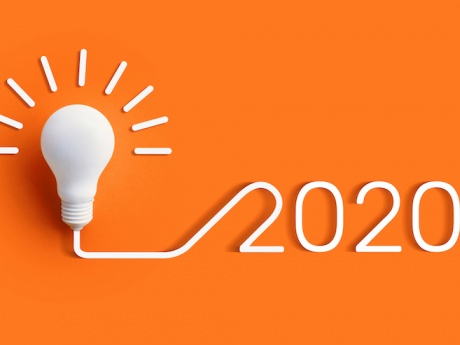2020 spelled out preceded by lightbulb